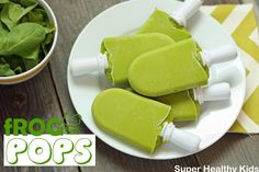 Frog Pops recipe: 1 ripe banana cups fresh baby spinach 1 cup frozen mango cup coconut water or almond milk Blender together until smooth. Pour into popsicle molds and freeze. Super Healthy Kids, Healthy Snacks For Kids, Healthy Sweets, Kid Snacks, Healthy Fruits, Healthy Food, Healthy Eating, Baby Food Recipes, Snack Recipes
