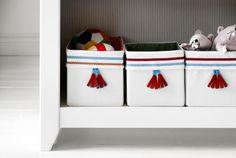 Almacenaje pequeño para niños en Ikea http://ini.es/1Ab2cqe #AlmacenajePequeño, #DormitorioInfantil, #IdeasDeOrganización