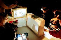 En el momento en el que las nuevas tecnologías monopolizan todo nuestro tiempo, se hace más necesario que nunca apostar por otro tipo de ocio para nuestros niños. En este sentido, el teatro de sombras se nos presenta como una buena oportunidad para desarrollar su imaginación y, de paso, despegarles de la pantalla. Ideas Creativas, Club, Google, Puppets, Kid Art, Milky Chance, Shadow Play, Future Gadgets, Crafts For Kids