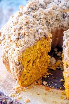 Pumpkin Streusel Coffee Cake - Love Bakes Good Cakes Make breakfast or brunch extra special when you serve this Pumpkin Streusel Coffee Cake! You don't have to wait for fall - Pantry staples make this the perfect coffee cake for a year-round treat. Fall Desserts, Just Desserts, Delicious Desserts, Yummy Food, Tasty, Health Desserts, Pumpkin Coffee Cakes, Pumpkin Dessert, Pumpkin Cake Recipes