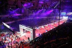BMW Frankfurt Marathon: Der Zieleinlauf in die Frankfurter Festhalle