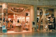 Victoria's Secret Holyoke Mall - This is how I remember this store. Before they turned it into a bubble gum color Dead Malls, Mall Stores, Auld Lang Syne, Retro Advertising, Shopping Malls, Good Ole, Ol Days, The Good Old Days, Childhood Memories