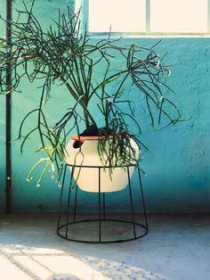Ikea PS 2017 : un porte vase ajouré pour partir en vacances l'esprit léger.