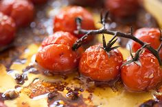 roasted tomatoes Sunday Suppers, Roasted Tomatoes, Sausage, Appetizers, Restaurant, Meat, Fruit, Vegetables, Drinks