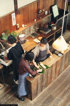 Have you ever thought of turning your cooking area into a Japanese kitchen. If not, you can search for Japanese kitchen styles and also versions here. Cafe Interior, Kitchen Interior, Interior Design Living Room, Kitchen Design, Japanese Interior, Japanese Design, Japanese Restaurant Interior, Rustic Kitchen, Kitchen Decor