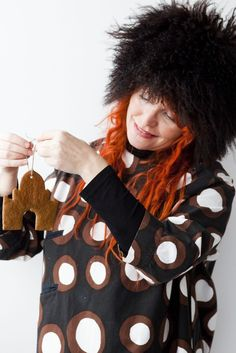 """Go Retro, Rye & Gingerbread!"" – A snowy Christmas in Finland, in a vintage Marimekko dress (Vintage Marimekko dress, ""Sirkus"", of ""Petrooli"" pattern designed by Annika Rimala in 1963; Photo: Sininen Kuva, Sipoo FIN) ⎮ recyclie.blogspot.fi"