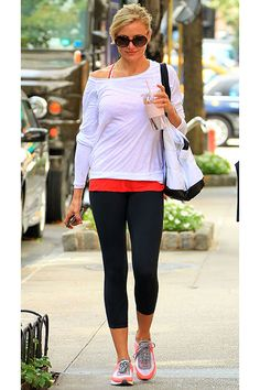 Cameron Diaz    Cam goes casual in a long-sleeved tee and leggings as she heads to the gym in NYC on August 27.