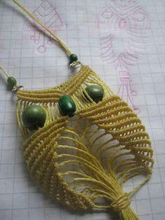 O Xmas Crafts, Diy And Crafts, Collar Macrame, Macrame Owl, Beautiful Owl, Bracelet Tutorial, My Love, Crochet, Creative