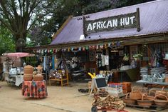 Padstal buite Witrivier, SA. African Hut, Pad, Coffee Shops, Stalls, South Africa, Outdoor Decor, Ideas, Coffeehouse, Thoughts