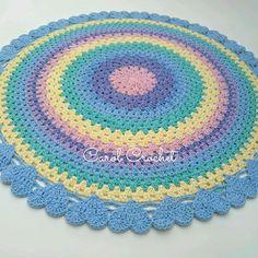 Crochet Carpet, Crochet Home, Crochet Hat Tutorial, Knit Rug, Lap Blanket, Crochet Round, Playroom, Crochet Patterns, Knitted Rug