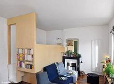 """Agencement studio contemporain - l'idée de la chambre """"cachée"""" dans un cube fonctionne très bien"""