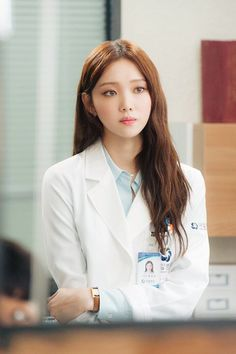 Doctors Lee Sung-kyung 이성경 (born August 10, 1990) is a South Korean model and actress. She is known for her roles in different dramas such as It's Okay, That's Love (2014), Cheese in theTrap (2016)and Doctors (2016).