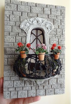 instead of a lower down door for the tooth fairy what about a balcony? Diy Clay, Clay Crafts, Diy And Crafts, Arts And Crafts, Miniature Plants, Miniature Houses, Vitrine Miniature, Mini Doll House, 3d Quilling