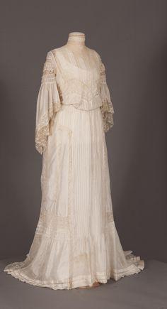 Edwardian dress 1903