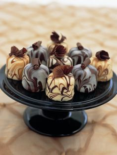 Marbled Chocolate Truffle Cakes by Little Venice Cake Company.this looks amazingly good😄 Chocolate Delight, I Love Chocolate, Chocolate Heaven, Chocolate Shop, Chocolate Lovers, Divine Chocolate, Chocolate Swirl, Chocolate Truffle Cake, Chocolate Truffles