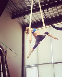 """""""This movement phrase is finally starting to make sense to me.  Next objective: doing it as smoothly as @selkiehom .  #aerial #aerialsilks #aerialhammock…"""""""