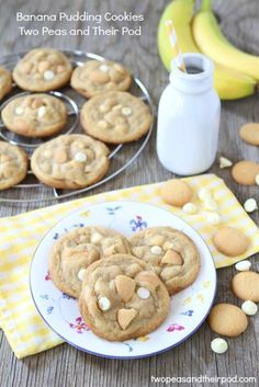 Banana Pudding Cookies -- made these 11 Sept 2012 because I have a weakness for banana pudding when I see it at the Chinese buffet LOL so thought why not try a cookie form !  Everyone LOVED it, even those in the fam who do not like bananas (: