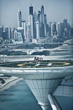 Motorcycle tricks on the Burj al Arab helicopter pad in Dubai Dubai City, In Dubai, Dubai Golf, Dubai Uae, Burj Al Arab, Abu Dhabi, Motocross Maschinen, Beautiful World, Beautiful Places