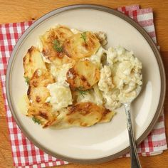 Potato gratin with Cookeo - Potato gratin with Cookeo – Ingredients of the recipe: 1 kg of potatoes, 1 onion, 2 crushed clove - Quinoa Salad Recipes, Easy Smoothie Recipes, Healthy Crockpot Recipes, Lunch Recipes, Beef Recipes, Cooking Recipes, Healthy Foods To Eat, Healthy Eating, Paella Recipe