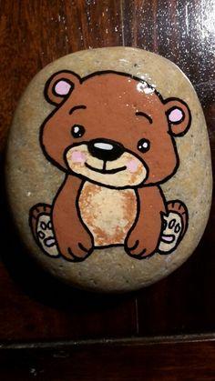 Bamse malet på sten med posca tusser