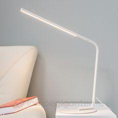 Mirca – hvit LED-bordlampe. Bestilles enkelt og trygt hos Lampegiganten.no