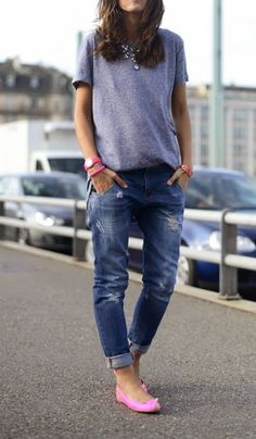 Boyfriend jeans, plain t shirt and marc jacob mouse shoes (in my dreams with the shoes!)