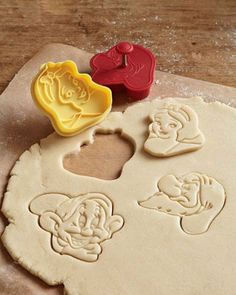 Snow white cookie cutters