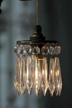 Shabby chic hanging lamp with crystals Chandelier, Diy Lighting, Mason Jar Sconce Diy, Chandelier Lighting, Diy Chandelier, Chandelier Lamp, Beautiful Lighting, Vintage Lighting, Lights