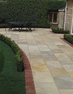 Tuscan Limestone Flagstones | Landscaping | Patio | Garden Path | Weathered Style Paving