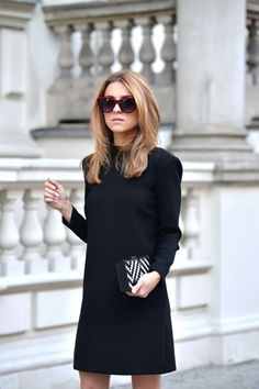 Perfect black dress & clutch