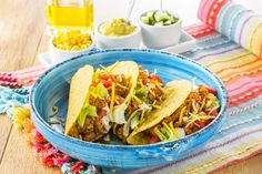 http://www.plus.nl/recepten/tacos-met-gehakt Bekijk via deze link dit heerlijke Zo Gecheft recept. Taco's met gehakt.