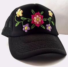 Rose Embroidered Hat Embroidery Stitches Tutorial, Hat Embroidery, Flower Embroidery Designs, Cross Stitch Embroidery, Embroidery Patterns, Bone Bordado, Hungarian Embroidery, Embroidered Hats, Baseball Hats
