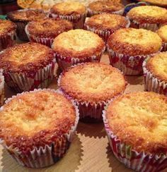Cupcakes recipes blueberry sweets Ideas for 2019 Tart Recipes, Cupcake Recipes, Sweet Recipes, Cupcake Cakes, Cooking Recipes, Mini Cupcakes, Portuguese Desserts, Portuguese Recipes, Gluten Free Cakes