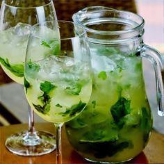 Receita de água aromatizada de limão, gengibre e manjericão   Cura pela Natureza.com.br