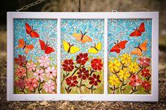 Vitrail fleurs et papillons mosaïque sur fenêtre récupéré