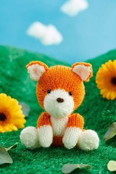 Ravelry: Finley Fox pattern by Sachiyo Ishii Knitting For Kids, Loom Knitting, Free Knitting, Knitting Projects, Baby Knitting, Animal Knitting Patterns, Crochet Patterns, Fox Toys, Origami