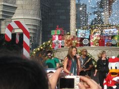 Miley Cyrus - Taping of the Walt Disney World Christmas parade - 2008 - by Jamie Benny