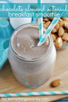 Chocolate Almond Oatmeal Smoothie | www.somethingswanky.com