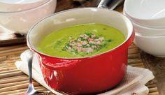Kräftige Erbsensuppe mit zartem Kasseler - schmeckt wie früher bei Oma und ist ein echter Klassiker