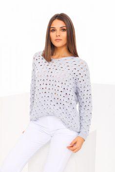 Modrý dámsky sveter vo veľkosti uni Uni, Turtle Neck, Pullover, Sweaters, Fashion, Moda, Fashion Styles, Sweater, Fashion Illustrations
