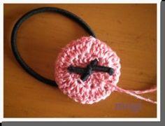 お花みたいな☆フリルたっぷりのヘアゴム♪の作り方 手順|10|編み物|編み物・手芸・ソーイング|ハンドメイド、手作り作品の作り方ならアトリエ Crochet Earrings, Handmade, Head Bands, Craft, Arm Work, Hand Made
