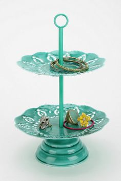 Double-Tiered Doily Jewelry Stand #urbanoutfitters #smallspace