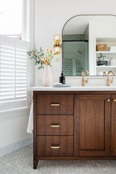 Bathroom Vanity Designs, Bathroom Floor Tiles, Wood Bathroom, Bathroom Vanity Lighting, Mirror Bathroom, Bathroom Inspo, Master Bathroom, Mid Century Bathroom, Marble Wood