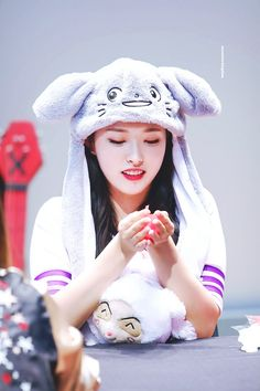 moonrise kingdom] Olivia Hye 오리비아 혜 Extended Play, South Korean Girls, Korean Girl Groups, Wolf Hat, Moonrise Kingdom, Boss Baby, Head Accessories, Olivia Hye, Girl Bands