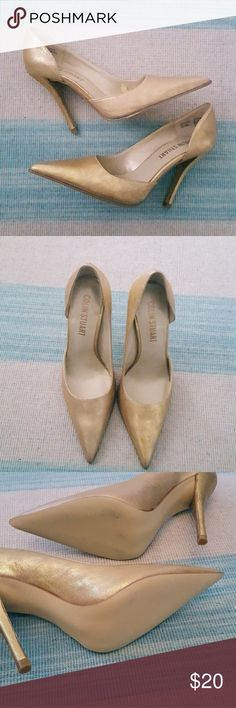 Colin Stuart Gold Pumps Purchases at Victoria Secret and worn inside only no wear at bottom. Great color goes with anything. Victoria's Secret Shoes