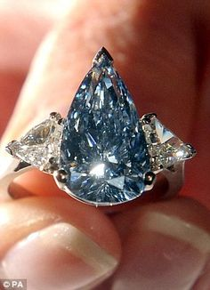 Rare blue De Beers diamond this carat pear shaped internally flawless fancy vivid blue gem is the lst. diamond of its kind to appear at auction Diamond Jewelry, Jewelry Rings, Fine Jewelry, Blue Diamond Rings, Ring Verlobung, Cluster Ring, Colored Diamonds, Blue Diamonds, Diamond Are A Girls Best Friend