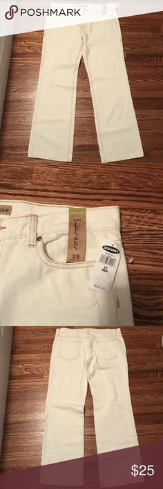 NWT Old Navy Boot Cut Off White Jeans Size 12 R NWT Old Navy Boot Cut Off White Jeans Size 12 R slightly distressed. Smoke free, pet friendly home. Old Navy Jeans Boot Cut