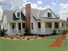 Cottage House Plan with 2592 Square Feet and 3 Bedrooms from Dream Home Source   House Plan Code DHSW55469