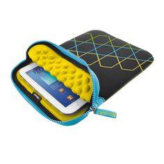 """Θήκες/Τσάντες : Trust Anti-Shock Bubble Sleeve for 10''' Tablets Hexagons 19696 : Θήκη 10"""" που διαθέτει διαμέρισμα με μαλακές φυσαλίδες για προστασία της ταμπλέτας από χτυπήματα, γρατσουνιές, σκόνη και ρύπους. Μαλακή και ελαφριά. Κατασκευή από ανθεκτικό νεοπρένιο. 270x200 χιλ.   Μό"""