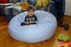 Pytel se skládá z dvou kruhů a dlouhého obdélníku. Rozměry lze podle svého, spíše podle místa v míst...